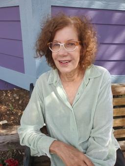 Vicki Lindner
